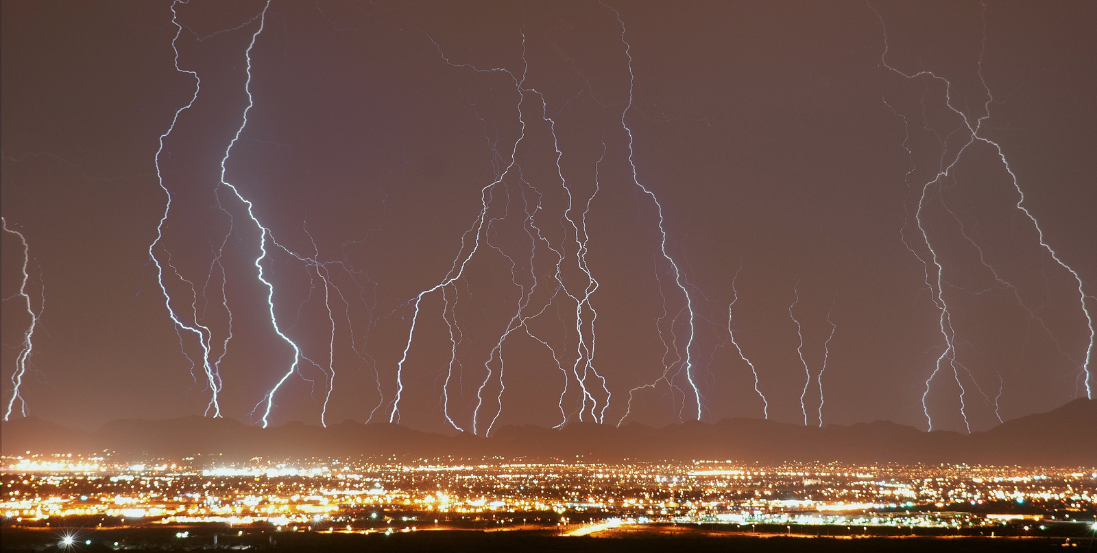 Stunning Lightning Strikes (10)